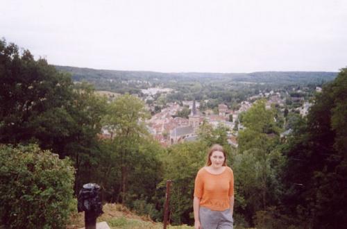 Вид на Шевроз с холма, на котором стоит Мадлен