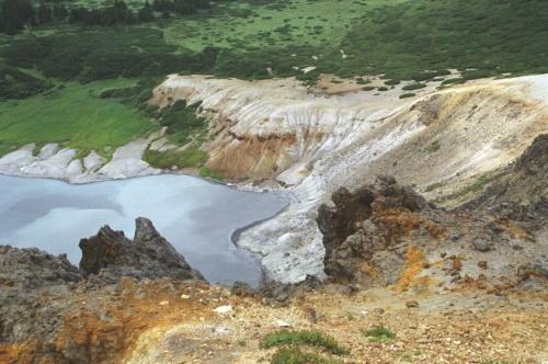 озеро кипящее