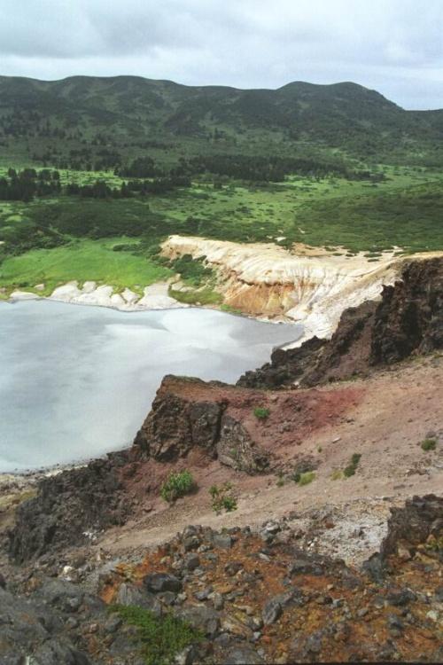 озеро Кипящее вид все с того же холмика