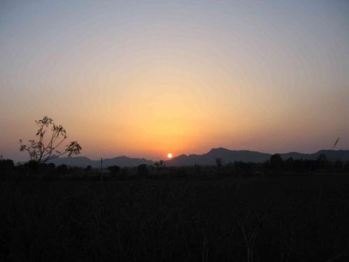 закат в деревне