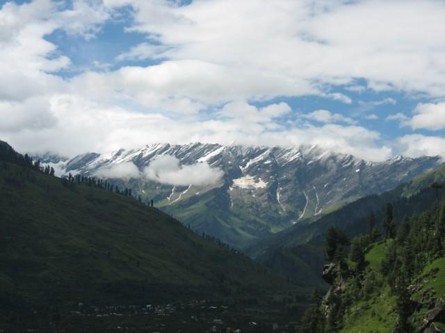 Тоже вид на Гималаи с тропинки