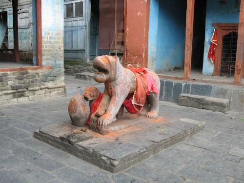 Лев перед храмом Дурги