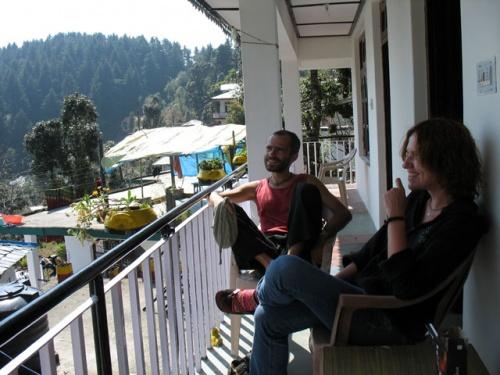 Посиделки с hime на балконе нашего дома в Дарамкоте