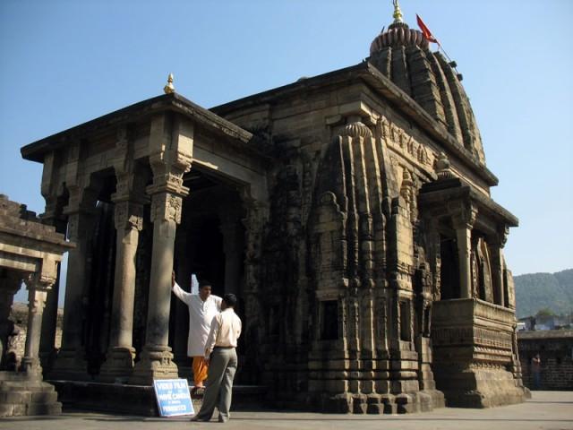 Храм Шивы в Беджнате