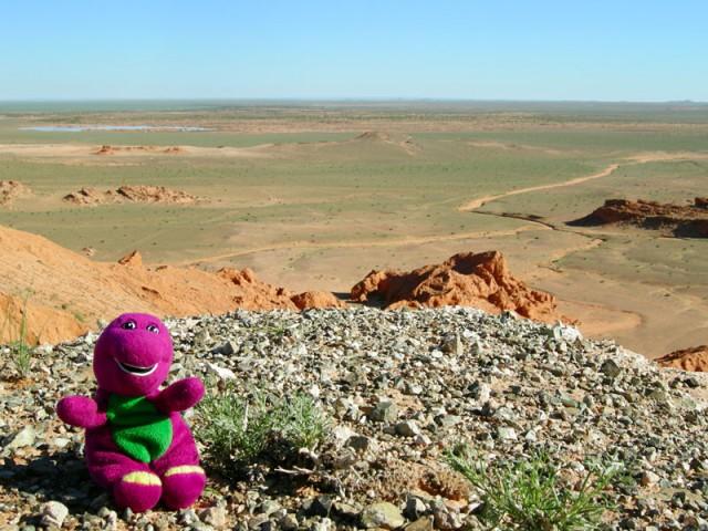 Символ нашего путешествия - динозаврик Марта в Баянзаге