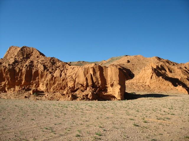 Красные утесы Баянзага, Монголия