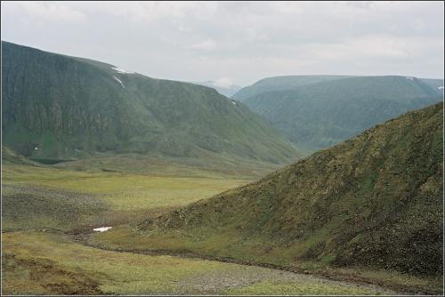 Восхождение на вершину Народной, целый день шел мелкий дождик; темпеpатypа около 10 гpад