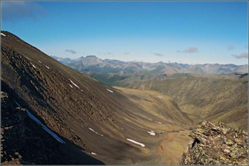 Вид с перевала Манси на долину р.Манараги и Косью.