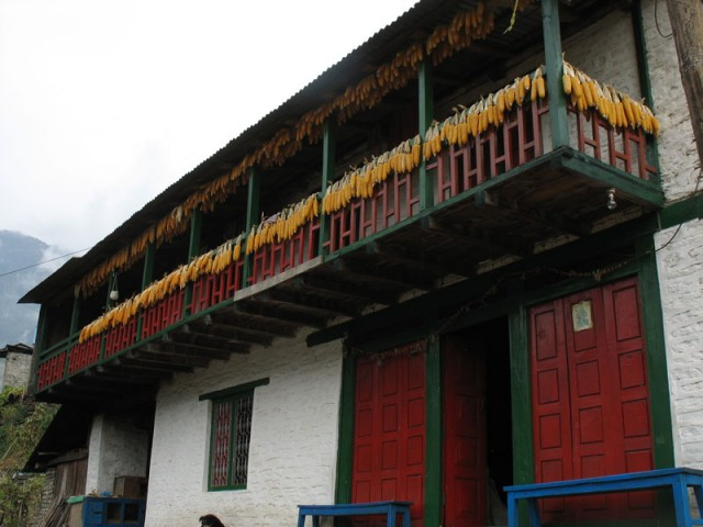 Балкон с кукурузой
