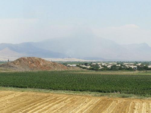 Собственно это Араратская долина и есть