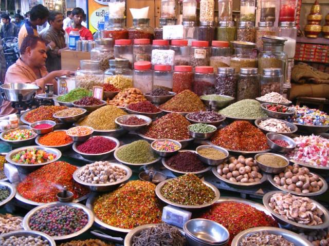 Фото дня: На базаре Ахмедабада