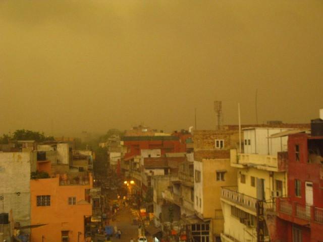 11 часов утра, Пахар Гандж, Дели