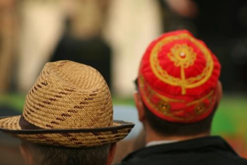 Все шапки в гости к нам