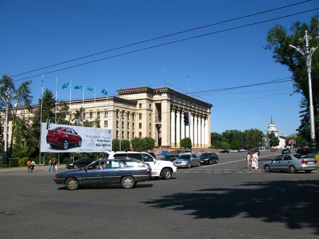 Площадь в Алма-Ате