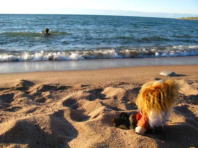 Дикий пляж около Тамги