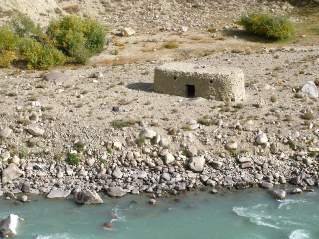 Еще один афганский домик