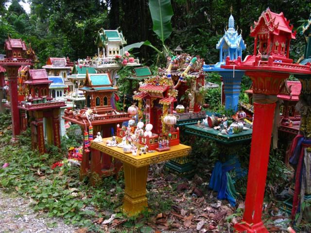 Домики для духов, Кочанг, Таиланд