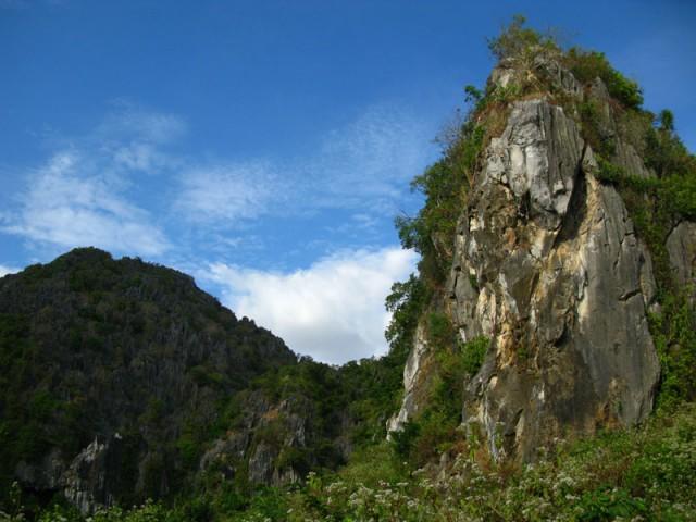 Карстовые скалы