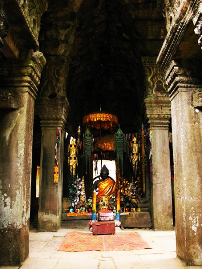 Еще разное-небезобразное в районе Ангкор Вата...