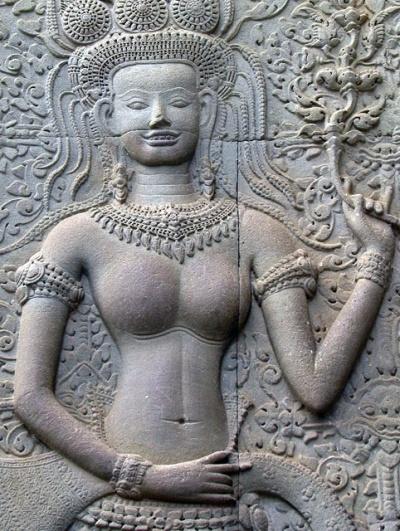 Зубастая апсара. Ангкор Ват