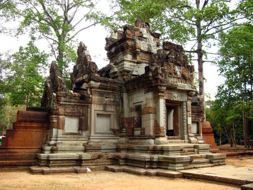 Восстановленный китайцами храм