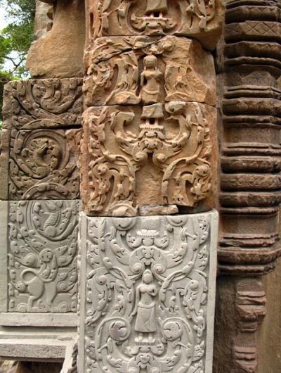 Фрагмент реставрации храма Chau Say Thevoda