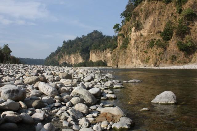 на берегу очень дикой реки...
