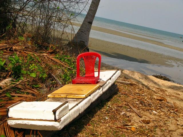 Самодельная лодка из пенопласта. С креслом!