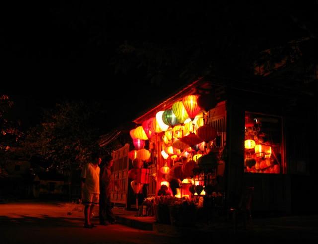 Ночные прогулки по Хои Ану
