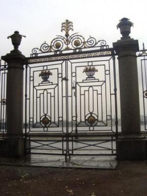 изящные ворота