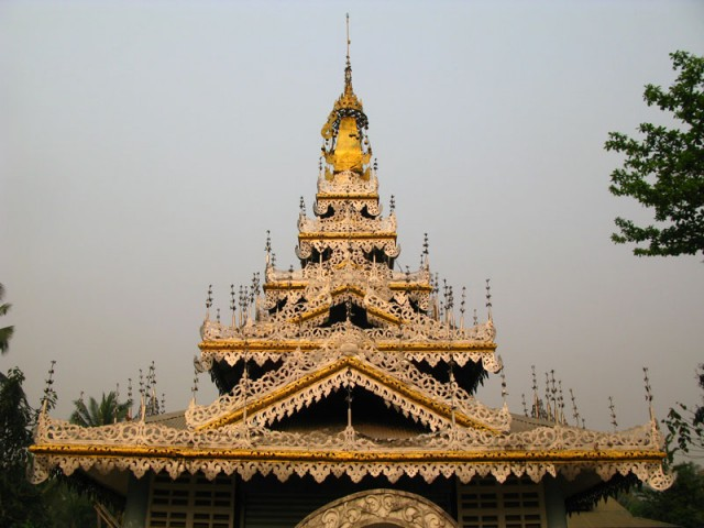 Храм в бирманском стиле. Ме Хонг Сон