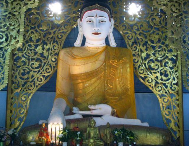 Бирманский Будда