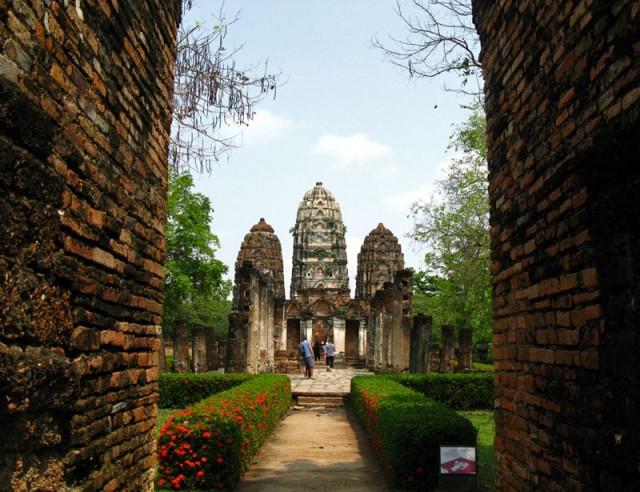 Кхмерский индуистский храм в Сукотае