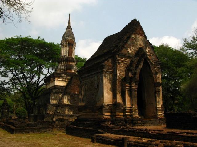В таких домиках хранились статуи Будд