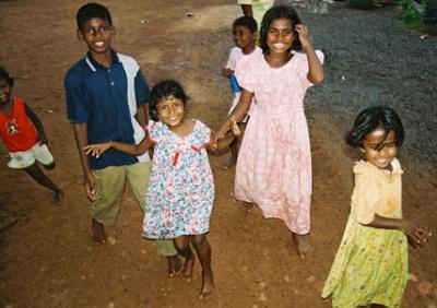 Мамы этих ребятишек шьют игрушки для Barefoot, и нечасто - для них самих, увы!