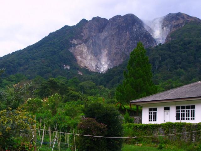 Вид на вулкан Сибаяк
