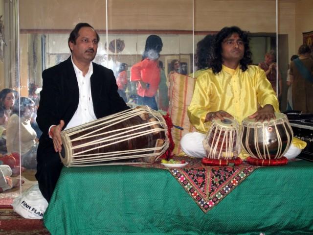 Sarasvati puja. Преподаватели классОбаяов катхак и таблы