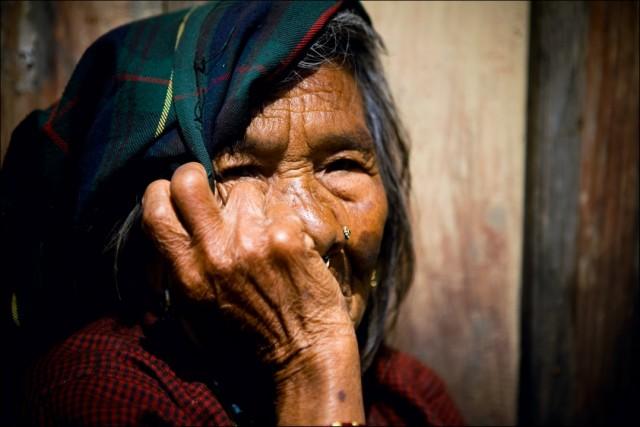 """Непал. Трек вокруг Аннапурны.  Горный поселок. Из серии: """"Души."""" 2009 г."""