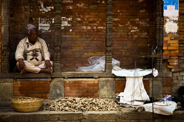 Непал. Бахтапур. Торговец имберем. 2009 г.