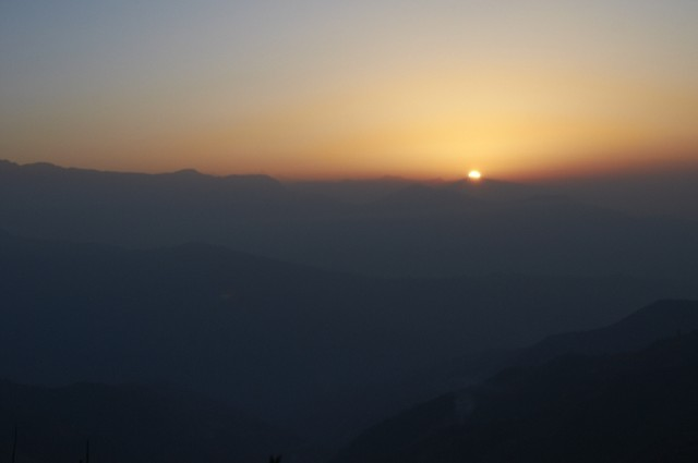 Рассвет над Гималаями