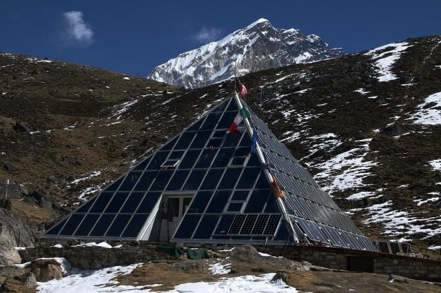 Исследовательская пирамида около Лебуче