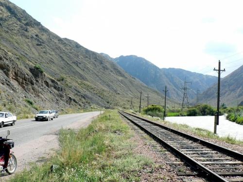 Боом - в переводе с киргизского - тропинка над рекой. Поэтому и ущелье Боомское или просто Боом.