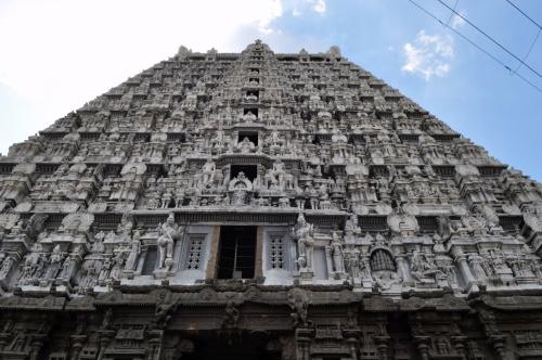 Тируваннамалаи. Ворота храма Огненного Шивы