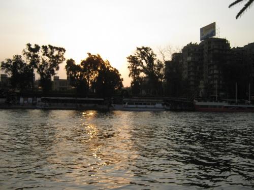 мягкое тепло садящегося за Нил солнца