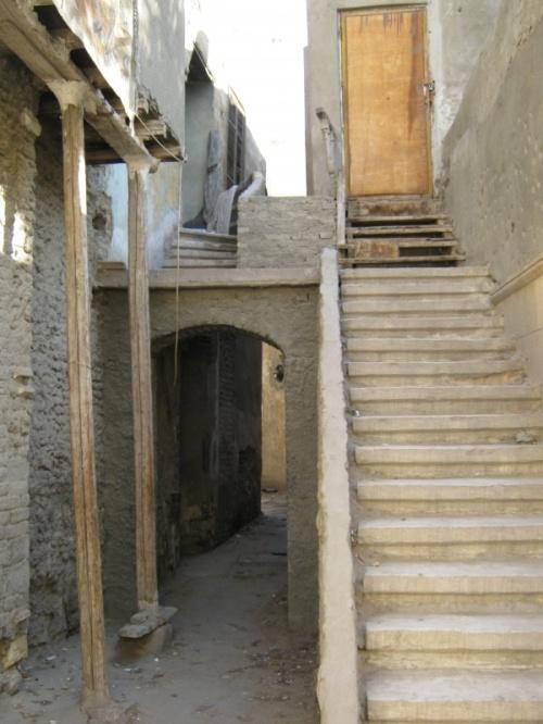 лестницы,уводящие ва неизвестность