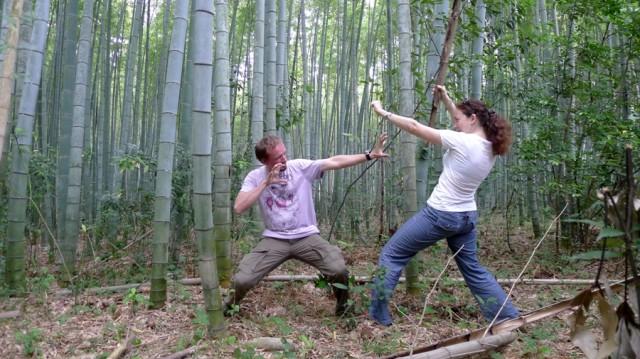 Приятно погибнуть в смертельной схватке под шепот бамбуковых стволов.