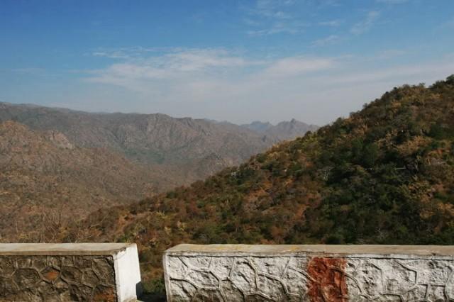 дорога на подъезде к Mount Abu