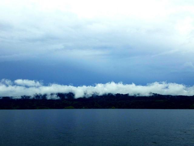Облака возврашаются за холмы