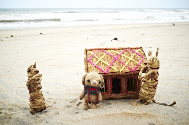 среди дюн и сосен стоял домик