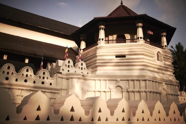 Храм Зуба Будды 1